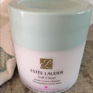 Estée Lauder Soft Clean Cleanser